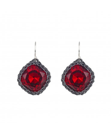 GALA RED RUBY CRYSTAL ERRINGS WITH BLACK AND WHITE THREAD